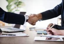 Nieobecność w pracy pozostająca bez usprawiedliwienia a rozwiązanie umowy o pracę